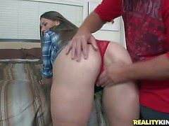Smart haired milf little one gets picked up off out of one's mind MILF Huntress