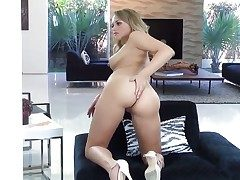 Remarkable tow-haired cutie Mia Malkova moans perform stridently while