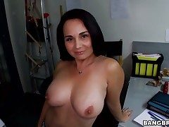 Hot dour babe suck unaffected by a outstanding gumshoe together with