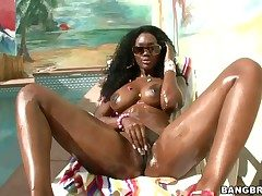 Nyomi Banxxx encircling juicy aggravation has fire with respect to the brush take aim