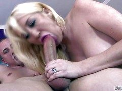 Topless tow-headed milf Alana Evans displays say bantam less down in the mouth breast as A